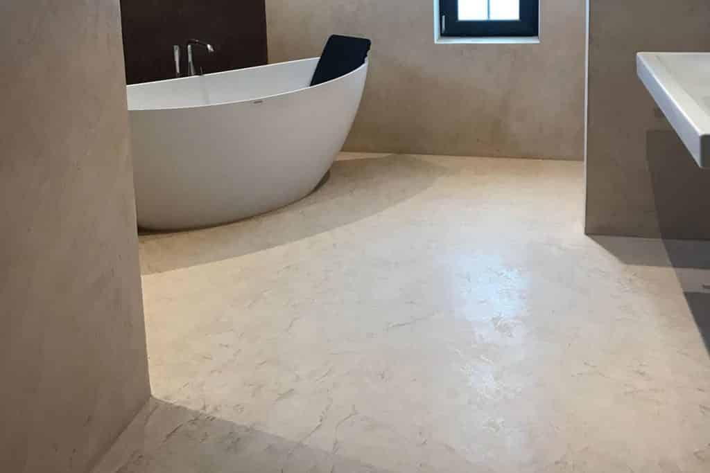neuer Fußboden im Bad